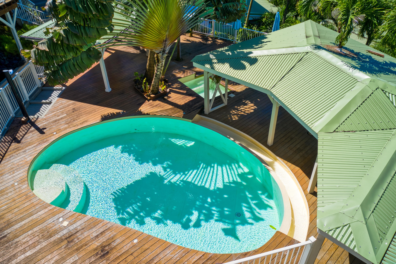 La piscine du Lodge Cococ Deshaies Guadeloupe